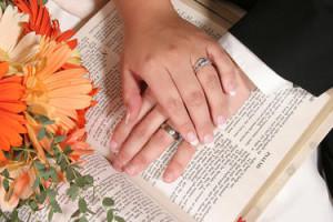 Glem aldri at det er Gud selv som har forent dere i ekteskapet.